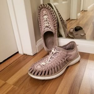 Uneek by Keen watershoes for everyday in stone 8.5